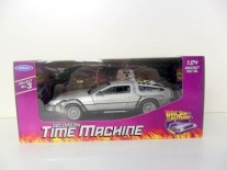 Back to the Future 1 Delorean Time Machine 1/24 scale