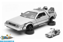 Back to the Future 2 Delorean Time Machine fly mode 1/24 scale