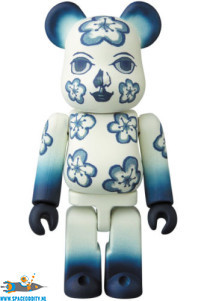 ​Bearbrick series 36 artist The Flower Fleur figuur