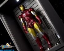 Iron Man S.H.Figuarts Iron Man Mark VI & Hall Of Armor Set