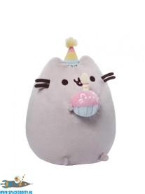 Pusheen pluche birthday cupcake
