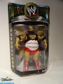WWE Classic Superstars Earthquake actiefiguur