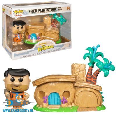 Pop! Town Fred Flintstone with House vinyl figuur